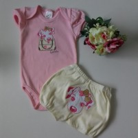 Roupa para Bebê Conjunto Body e Shorts Bordados Cadelinha no Passeio - Rosa